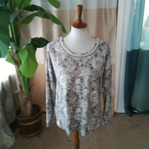 Kensie Size M Gray Silver Floral Soft Knit top